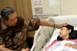 SBY berencana bukukan kisah sang istri Ani Yudhoyono