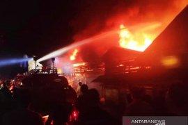 Kebakaran landa pemukiman padat  di Jakarta Timur