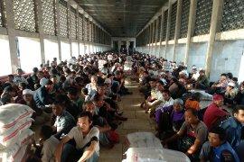 Masjid Istiqlal mendistribusikan 18,5 ton beras zakat fitrah