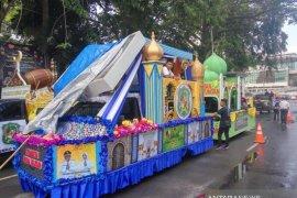 Pawai mobil hias meriahkan malam takbiran di Medan