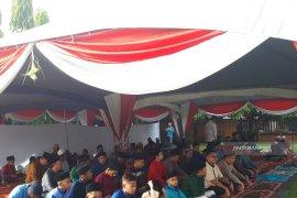 KRI Tawau Malaysia sholat Idul Fitri bersama WNI
