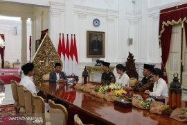 AHY, Ibas dan isteri silaturahmi dengan Presiden Jokowi di Istana Merdeka