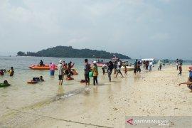 Arus Lalu Lintas Wisata Laut di Lampung Ramai Lancar