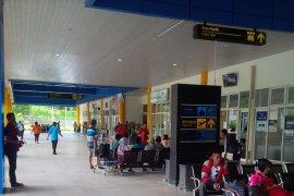 Bandara Babullah Ternate lengang