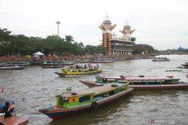 Menikmati keunikan Kota Banjarmasin melalui Wisata susur sungai