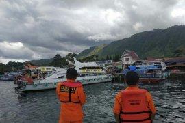 Pos SAR Parapat patroli lagi di Danau Toba