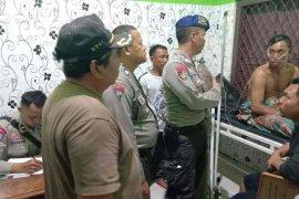 Kapal diterjang gelombang tinggi, dua warga Indramayu dilaporkan hilang