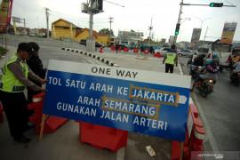 Kemenhub perpanjang waktu larangan truk masuk tol Trans Jawa