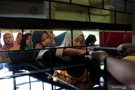 Disnaker Pemkot Ambon edukasi penyelesaian hubungan industrial