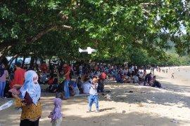 Pantai Pulau Datok pilihan warga habiskan libur Lebaran