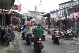 Aktivitas perdagangan di sentra ekonomi Depok mulai ramai kembali