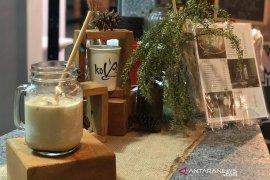 Membuat es kopi susu ala kafe di rumah, ini resepnya