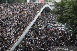 Hong Kong lumpuh unjuk rasa ribuan orang