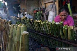 "Warga Gorontalo sajikan ""nasi jaha"" pada tradisi Lebaran Ketupat"