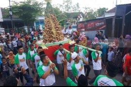 Warga Trenggalek gelar berbagai kegiatan rayakan Lebaran ketupat