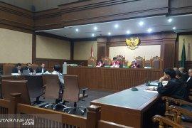 Dua pengusaha didakwa suap Direktur PT Krakatau Steel Rp157,05 juta