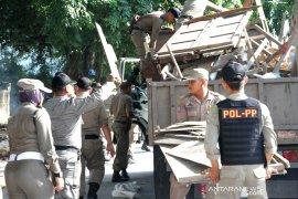 Dinilai penyebab kemacetan, warga minta Dishub Medan tertibkan becak dan angkot
