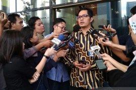 "KPK lelang barang rampasan dari ""action figure"" hingga perhiasan"