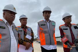 Jokowi minta waktu bagi kepolisian usut kericuhan 22 Mei