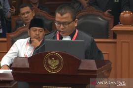 Denny Indrayana bacakan argumentasi kualitatif kubu Prabowo-Sandi
