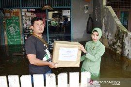 Persit KCK salurkan bantuan korban banjir Samarinda