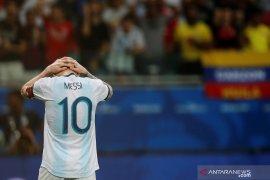 Usai dikalahkan Kolombia, Messi habiskan 40 menit berbicara ke  media