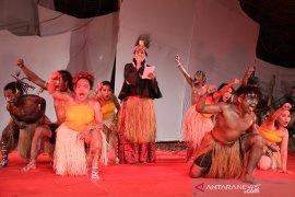 "Putri Koster persembahkan puisi ""Aku Papua"" pada Pesta Kesenian Bali"