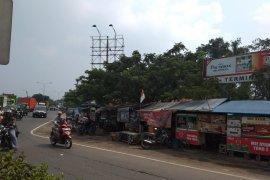 PKL tolak pembangunan taman di Tanjungpura Karawang
