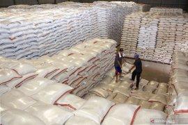 Pemerintah harus tuntaskan permasalahan penumpukan stok beras