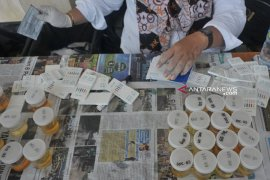 Ditresnarkoba gelar tes urine gratis di pusat perbelanjaan