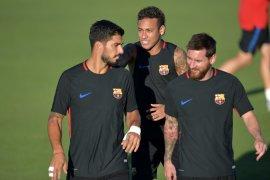 Luis Suarez buka suara menyangkut rumor Neymar kembali ke Barcelona