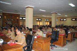 70 kepala SD dan 62 perangkat desa ikuti bimtek hukum di Badung