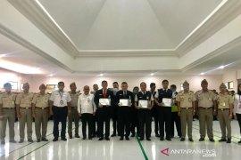 Karantina Denpasar beri penghargaan petugas Avsec Ngurah Rai