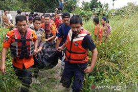 Seorang ibu tewas terseret  banjir di Pekanbaru