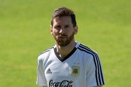 Simeone: Messi hebat, tetapi  butuh bantuan rekan setimnya