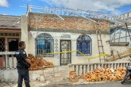 Pekerja bangunan tewas terjatuh dari ketinggian  empat meter