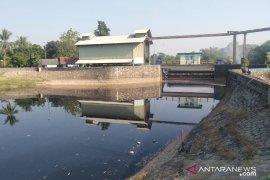Waduh, Bendungan Barugbug Karawang tercemar limbah industri
