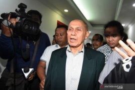 Wiranto tegaskan tidak ada penangguhan penahanan Kivlan Zen