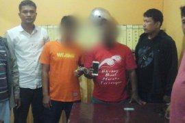 Polisi amankan dua penadah ponsel karyawati Bank Syariah Mandiri Tapteng