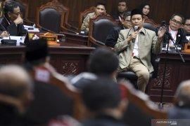 Hakim MK ancam usir Bambang Widjojanto dari  ruang sidang