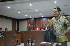 Saksi ungkap uang honor mengajar  Menag Lukman Hakim