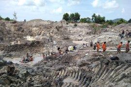 Satu jasad korban tanah longsor di Bangka Tengah belum ditemukan