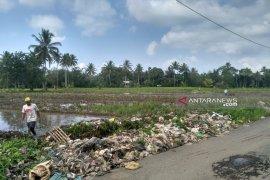 DLH Rejang Lebong akan bantu petani bersihkan sampah plastik