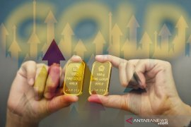 Harga emas naik ke tertinggi sepekan karena korban virus meningkat