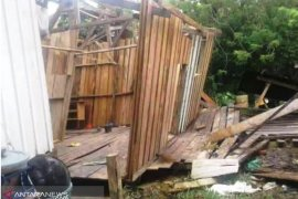 240 jiwa mengungsi akibat gempa Sarmi Papua