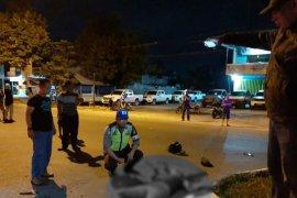 Polisi selidiki mahasiswa tewas usai menabrak truk