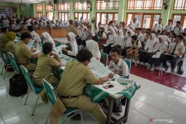 Disdik Kalbar siapkan aplikasi untuk penerimaan siswa baru