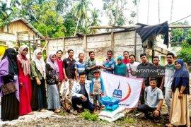Mahasiswa bantu pembangunan rumah korban badai di  Aceh Barat