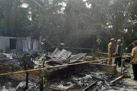 Cekcok, anak durhaka bakar rumah orang tuanya di Langkat