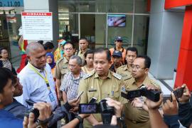 Waduh, petugas PPSU Jakut ditabrak pemotor yang lawan arus lalu lintas